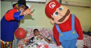 زيارة المهرج لمصلحة طب الاطفال ورقلة
